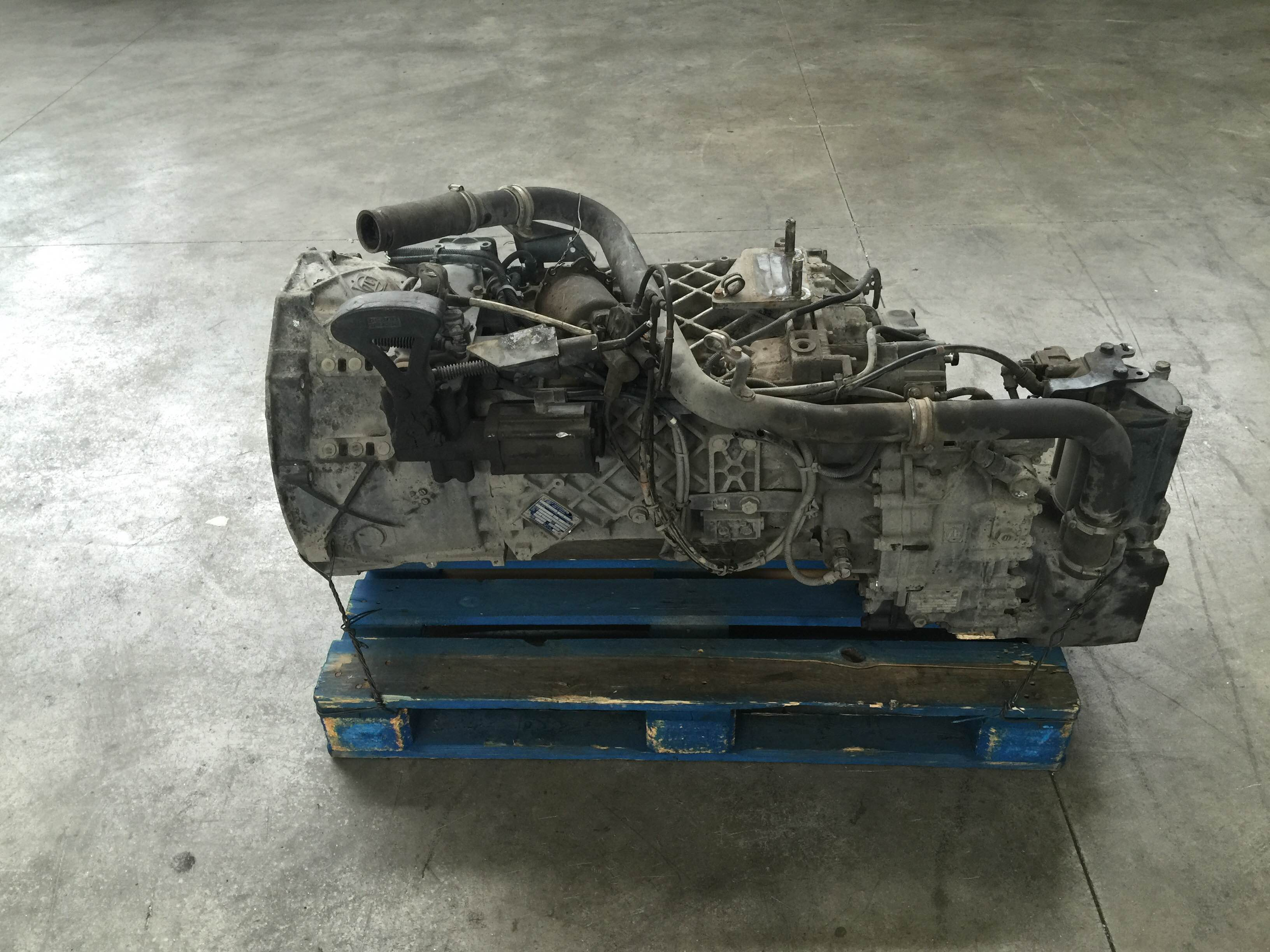 cambio renault magnum 440 e-tech zf 16 s 221 it zf 1316 041 755 renault 5010545005